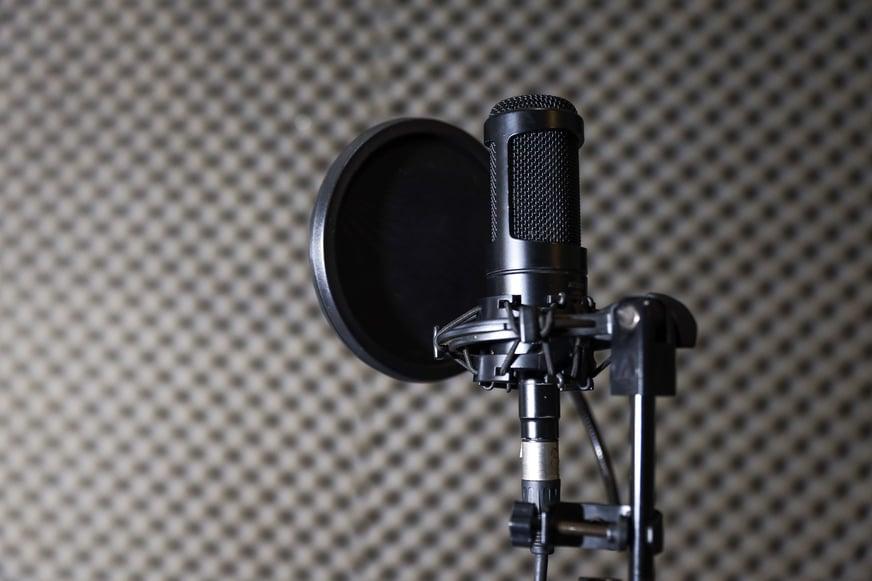 mic-on-music-recording-studio-3H49MEV