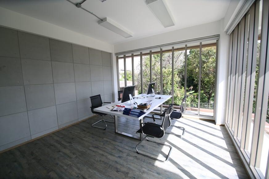 modern-office-space-XZS6C29-jpg